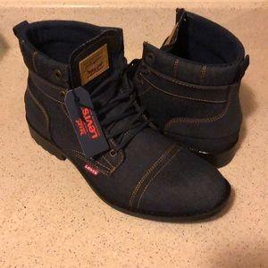 Levi boots